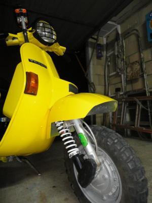 Las motos ya están pintadas, un buen trabajo de nuestro sponsor, Carrocerias Villasana de del equipo de Iñigo, Gracias